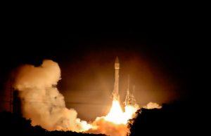 Bij de start gebruikt de raket de meeste brandstof